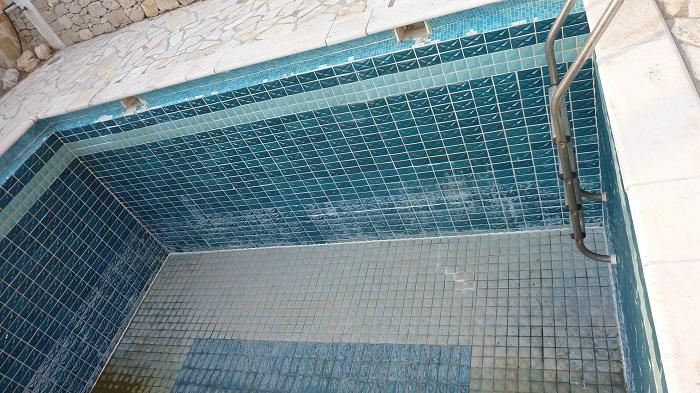 Resina piscina